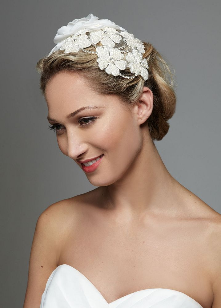about David s Bridal Large Pearl 3D Floral Headpiece Style F632 a8ac9cee610