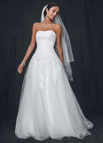 David's Bridal SAMPLE: Strapless Tulle Ball Gown Wedding Dress with Lace Embe...