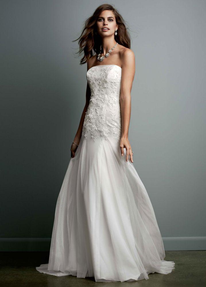 David 39 s bridal strapless tulle wedding dress with lace for David s bridal tulle wedding dress