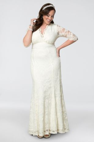Plus Size Amour Lace Wedding Gown | David\'s Bridal