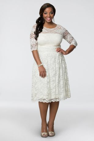 Plus Size Aurora Lace Short Wedding Dress | David\'s Bridal
