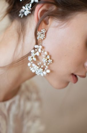 "Baby""s Breath Floral Pearl Earrings"