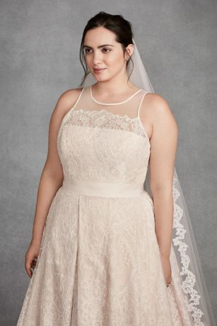 white  vera wang macrame  size wedding dress davids bridal