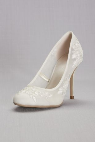 Round-Toe Mesh Pumps with Corded Lace Appliques