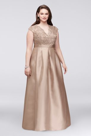 Scalloped Lace and Mikado V-Neck Plus Size Gown