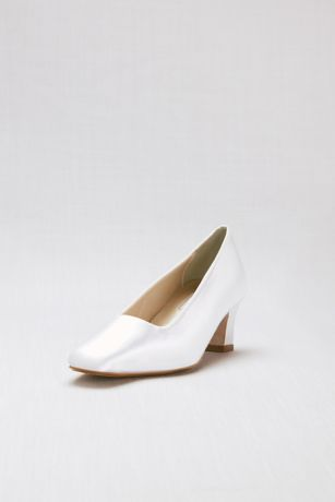 fa3284d5740 Touch Ups White (Dyeable Simple Satin Low-Heel Pumps)