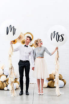 36 Inch Jumbo White Round Mr. and Mrs. Balloons