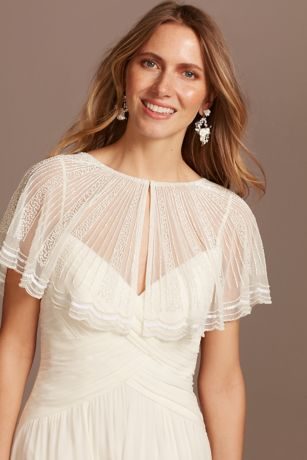 Linear Beaded Mesh Capelet with Scalloped Edge