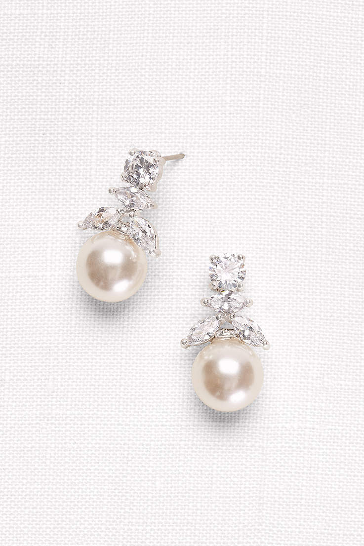 d4a379ca9 Pearl Wedding and Formal Jewelry | David's Bridal