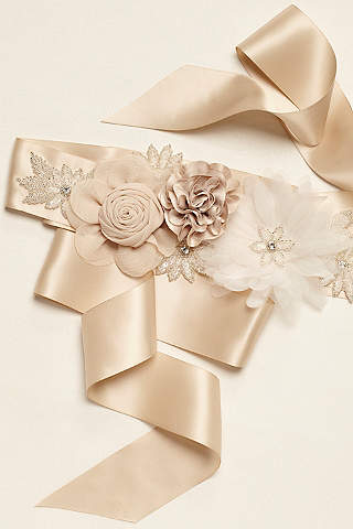 Bridal Sashes & Wedding Dress Belts | David\'s Bridal