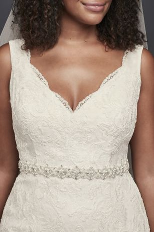 0cc716148332 Bridal Sashes & Wedding Dress Belts | David's Bridal