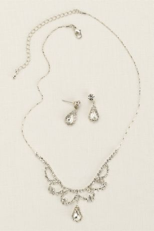 Scalloped Necklace with Pear Shaped Drop Earrings
