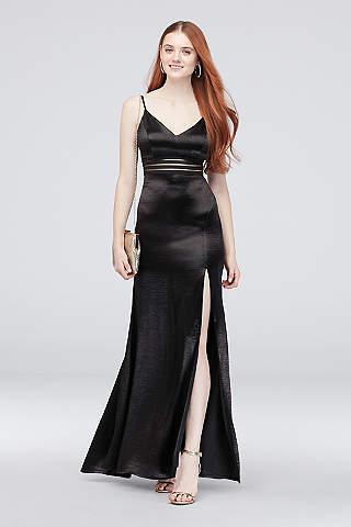 Vestido Recto de Satín Con Abertura en Falda