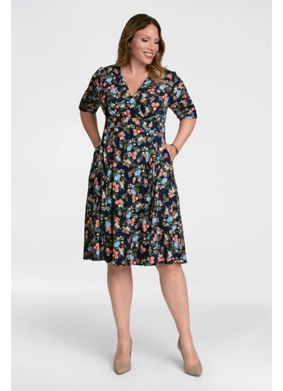 Gabriella Printed Plus Size Dress - This effortless jersey plus-size dress comes in a