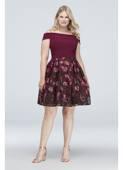Cold-Shoulder Floral Embroidered Plus Size Dress