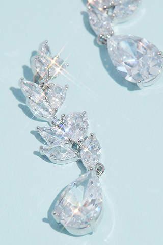 Aretes Con Cristales En Forma De Hoja De Laurel