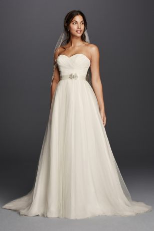 Sweetheart Neckline Wedding Gowns
