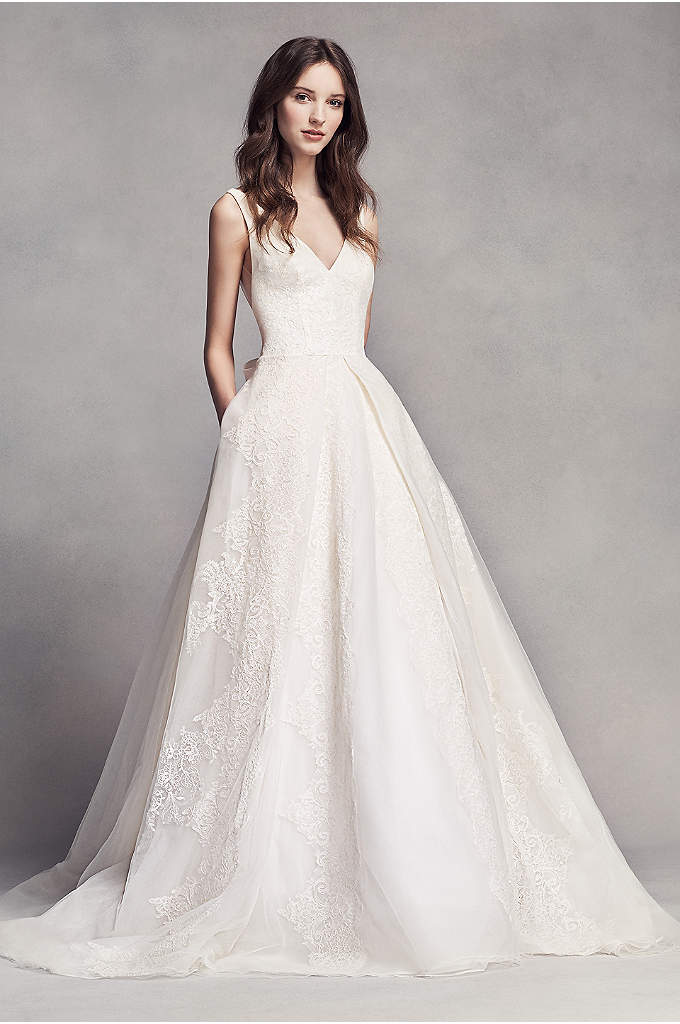 Bow Wedding Dress | Davidsbridal