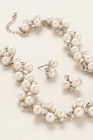 Set de Aretes y Collar de Perlas Con Cristales.