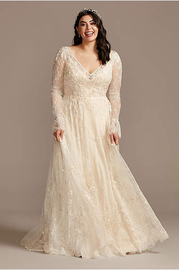 Long Sleeve Chantilly Lace Plus Size Wedding Dress
