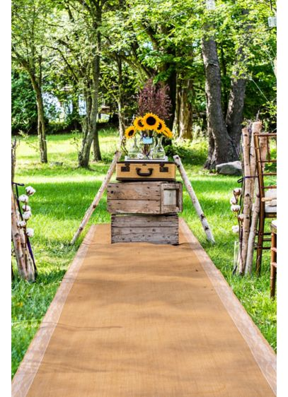 (Burlap Aisle Runner with Delicate Lace Borders)