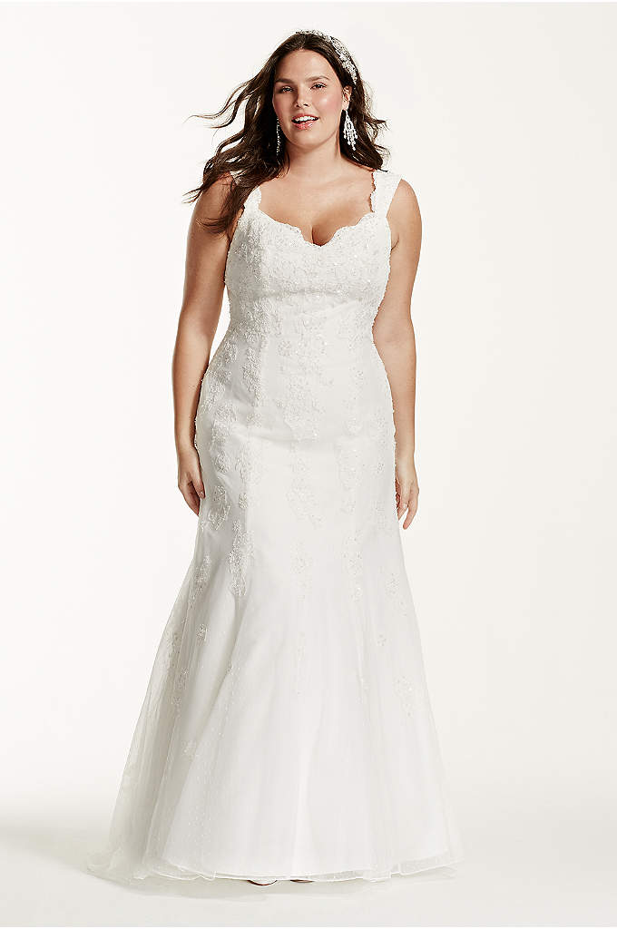 Tank Lace Plus Size Wedding Dress with Tulle Skirt