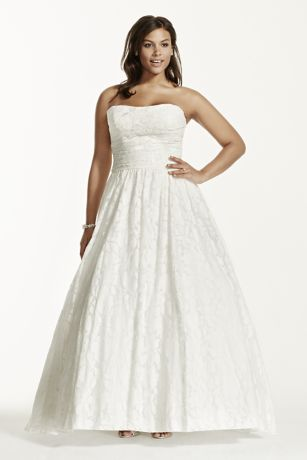 a8f2e026420 Lace Plus Size Wedding Dress with Pocket Detail