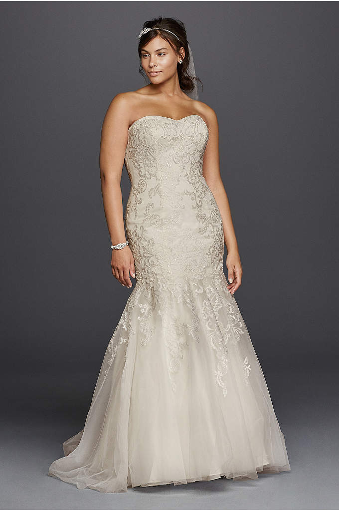 Lace Sweetheart Neckline Plus Size Wedding Dress - Allover beaded lace imbues this mermaid wedding dress