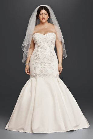 Lace and Satin Plus Size Mermaid Wedding Dress | David\'s Bridal