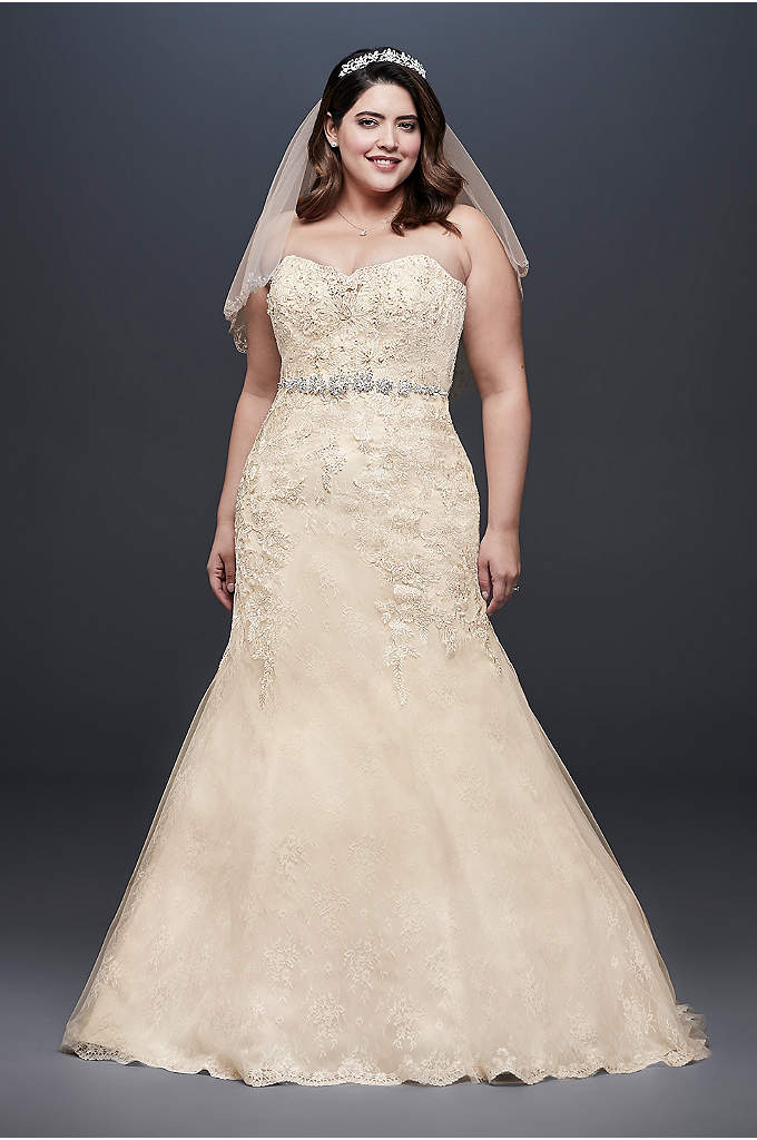 Beaded Lace Plus Size Mermaid Wedding Dress - This mermaid wedding dress is infused with intricate