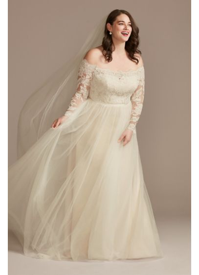 Lace Applique Off Shoulder Plus Size Wedding Dress - An off-the-shoulder bodice, with scalloped trim and appliques,