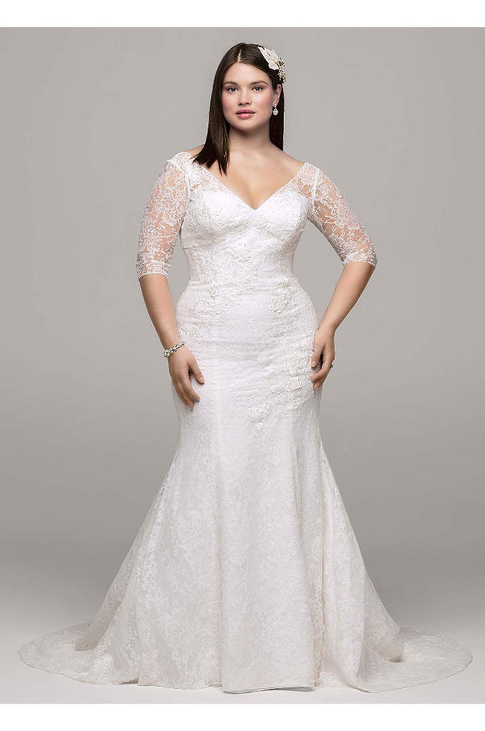 3/4 Sleeve All Over Lace Trumpet Gown - Demure yet stylish, this 3/4 sleeve all over