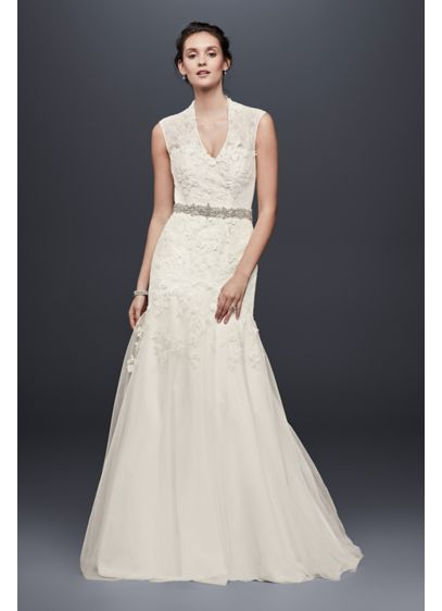 As-Is Cap Sleeve Lace Wedding Dress with 3D - Airily romantic trumpet wedding gown with intricate dressmaker