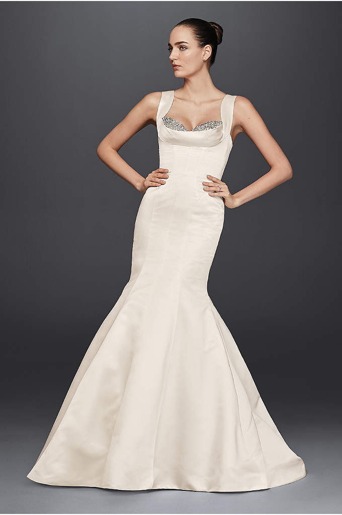 As-Is Mermaid Wedding Dress with Crystal - Strike a red carpet-worthy wedding day look in