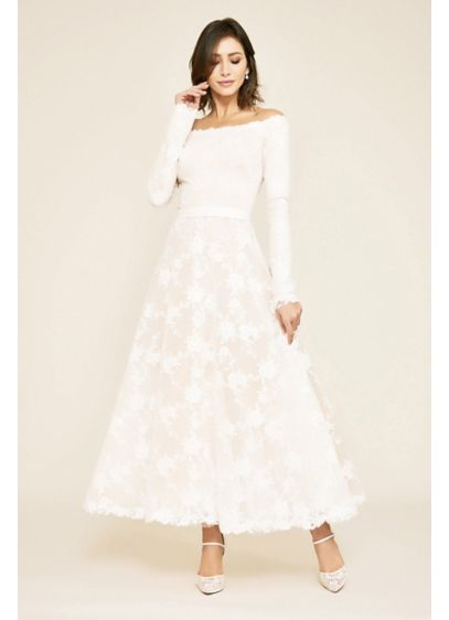 Long Sleeve Floral Lace Tea-Length Wedding Dress - This long-sleeve lace wedding dress gets a vintage-inspired