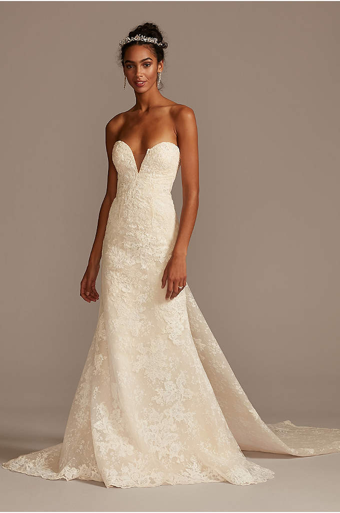 Scalloped Lace Removable Bow Train Wedding Dress
