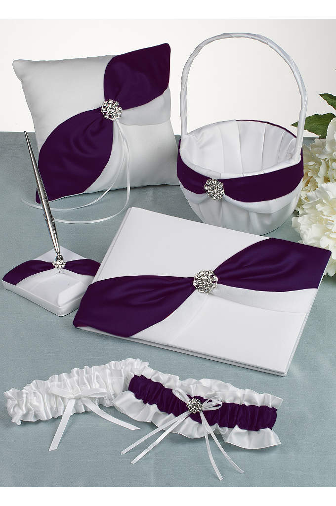 DB Exclusive Luxurious Life Gift Set - Satin base is decorated with an asymmetrical colored