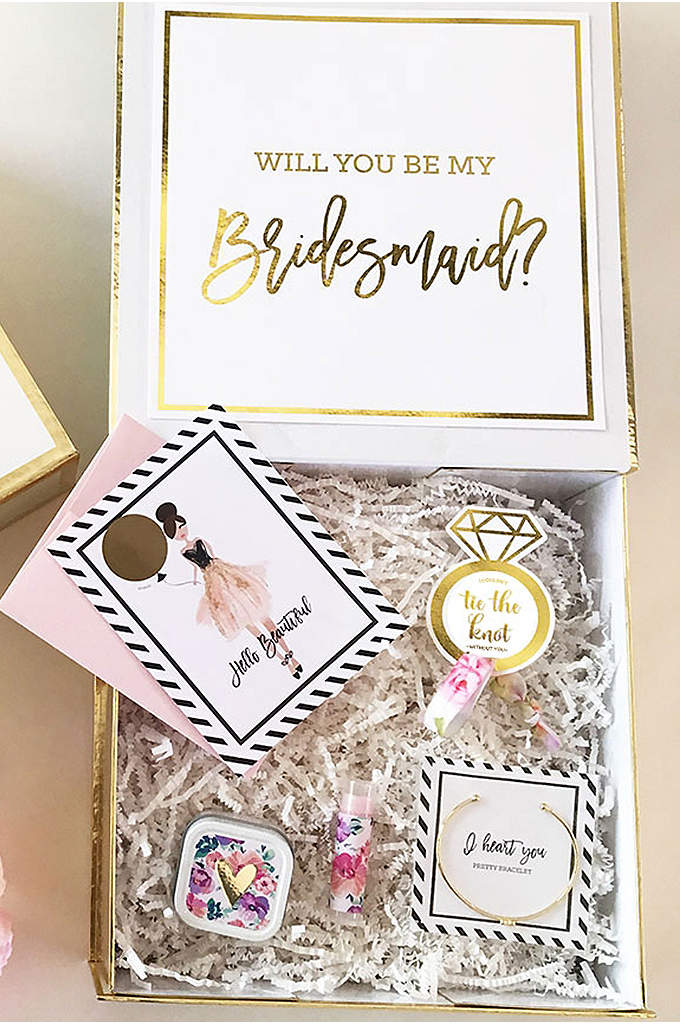 Personalized Bridal Party Gift Box - Personalized gift boxes are the perfect way to
