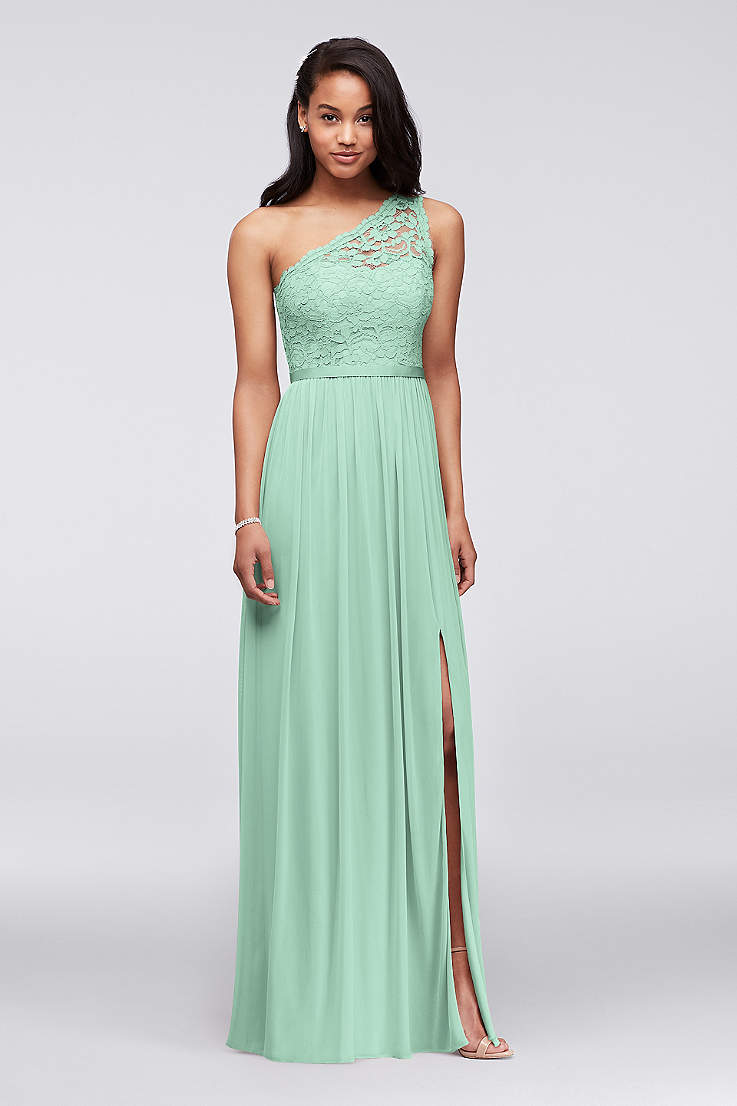 Soft   Flowy Structured David s Bridal Long Bridesmaid Dress d8d85838794a