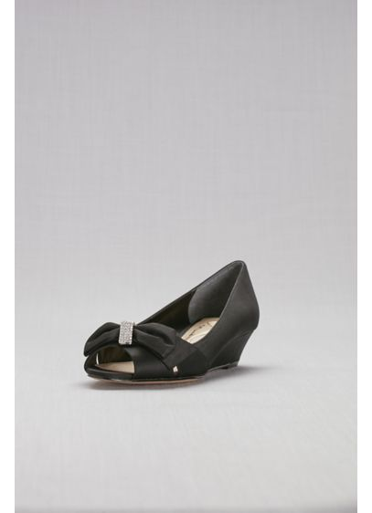 Touch of Nina Black (Peep Toe Mini-Wedges with Bow Detail)