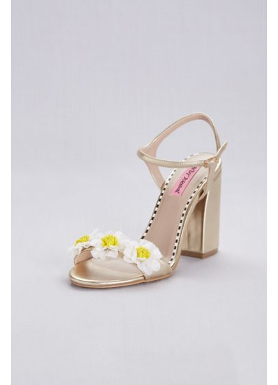 3D Daisy Ankle Strap Chunky Heel Sandals - Three-dimensional daisies with beaded centers bloom atop this