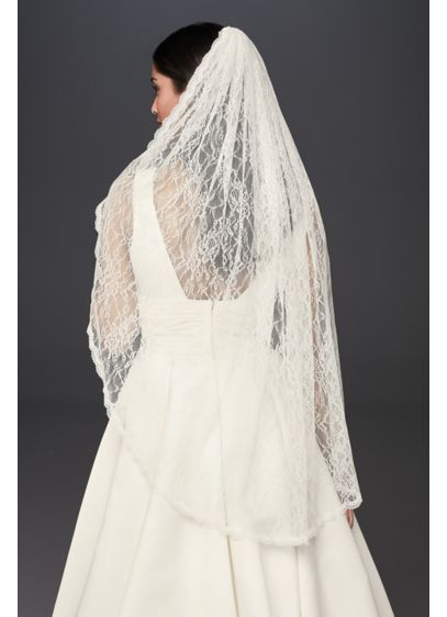 David's Bridal Ivory (Allover Lace Scalloped Fingertip Mantilla Veil)