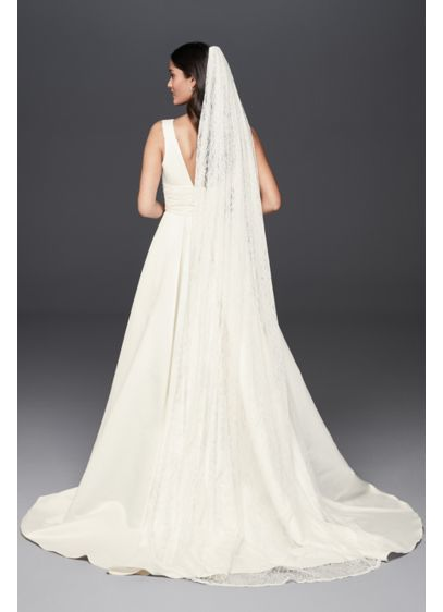 Allover Lace Scalloped Cathedral Mantilla Veil - Pretty scallops trim the edges of this beautiful