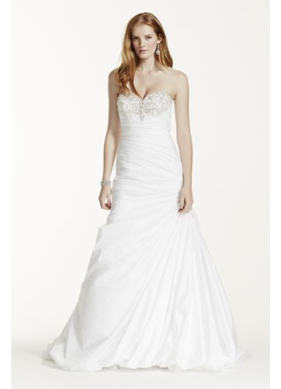 Strapless Sweetheart Trumpet Wedding Dress | David\'s Bridal