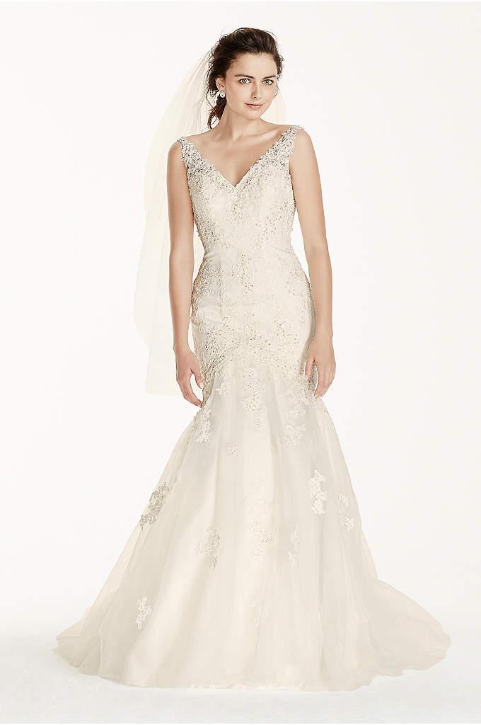 Fit & Flare Wedding Dresses | David\'s Bridal