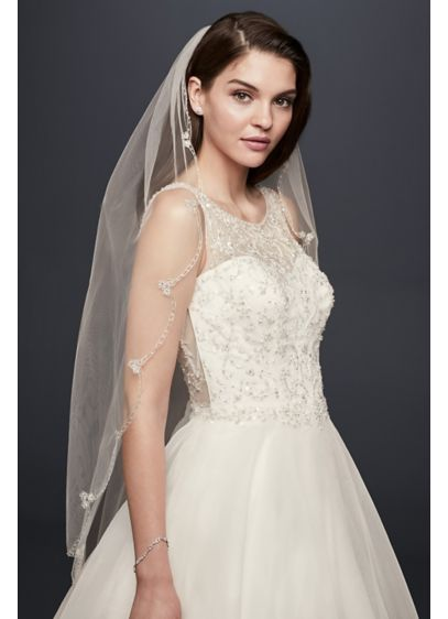 David's Bridal White (Embroidered Scallop-Edged Fingertip Veil)