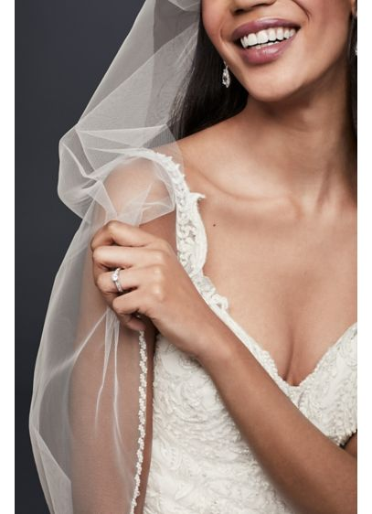 David's Bridal Ivory (Tulle Fingertip Veil with Pearl Edge)