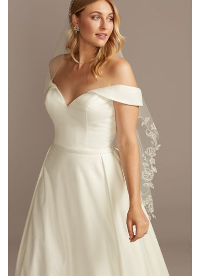 David's Bridal Ivory (Floral Edge Mid-Length Veil with Beading)