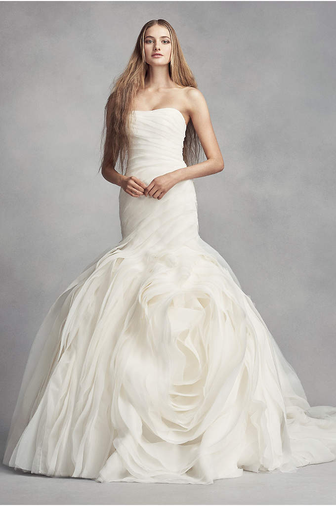 White by Vera Wang Bias-Tier Trumpet Wedding Dress - The dramatic skirt of this White by Vera