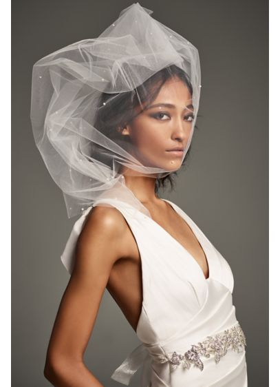 Scattered Pearl Mid-Length Veil - White by Vera Wang's beautiful mid-length tulle veil